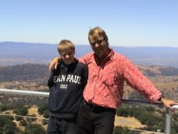 Axel og jeg utenfor Stanford